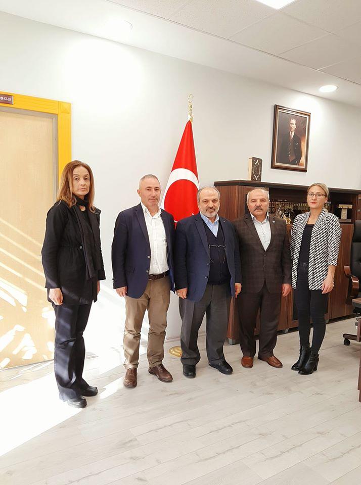 KOU-İlahiyat Fakültesi Dekanı Sayın Prof. Dr. Abdullah KAHRAMAN'ı ziyaret ettik.